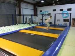 Trampoline Arena park - produzione e progettazione - trampolino e vasca con spugna