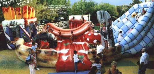 Pizza gioco gonfiabile - vendita usato - attrezzature per parco giochi e lunapark