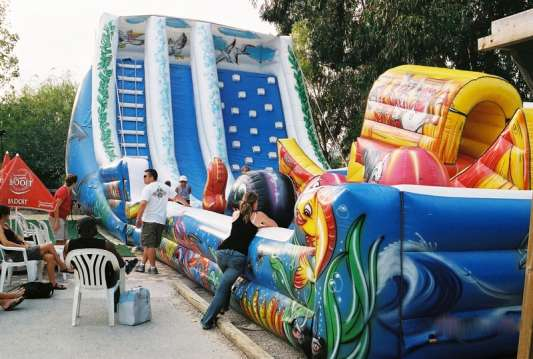 the Wave inflatable slide - play park Marineland (France)