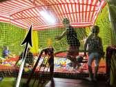 Tetto bicolore per camera con palline professionale