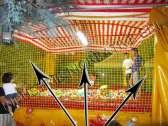 Rete perimetrale gialla di contenimento per camera con palline professionale