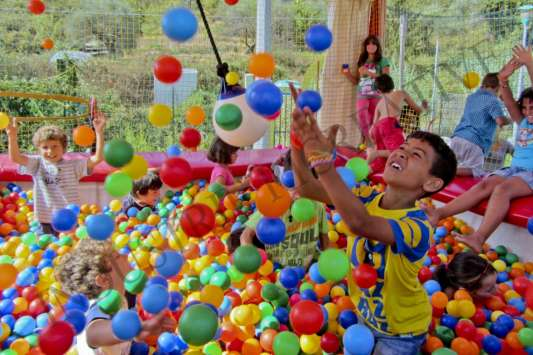 Big ball pit with plastic balls - manufacture and supply