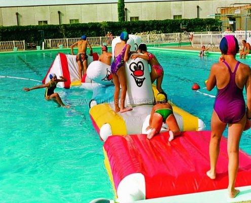 Percorso gonfiabile galleggiante per piscine - produzione e vendita