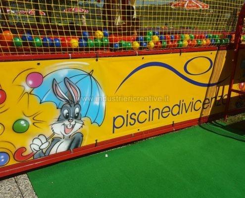 Piscina palline - particolare decorazioni