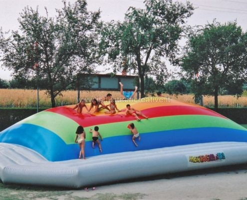 Produzione e vendita di giochi gonfiabili per bambini - Manufacturing and supply of inflatable games for kids - Fabrication et vente de jeux gonflables pour enfants
