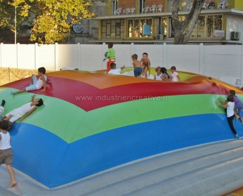 Produzione e vendita di giochi gonfiabili per parco giochi - Manufacturing and supply of inflatable games for playgrounds - Fabrication et vente de jeux gonflables pour aires de jeux