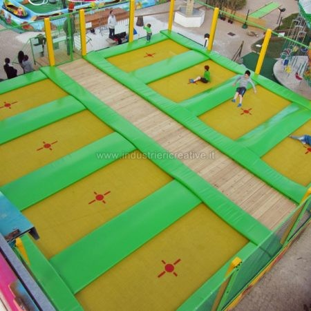 Produzione e vendita tappeti da salto - Trampolines en batterie fabrication