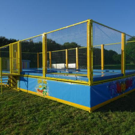 Trampoline für den Familienpark