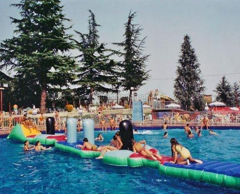 Percorso gonfiabile ad ostacoli per piscina - produzione e vendita