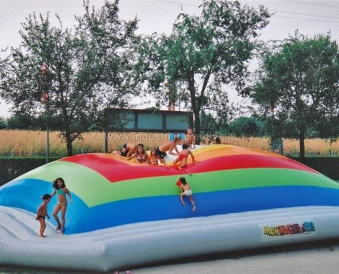 Vendita di grande montagna gonfiabile per bambini - Manufacturing and supply of inflatable games for kids - Fabrication et vente de jeux gonflables pour enfants