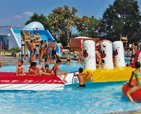 Produzione e vendita di percorso gonfiabile per piscine