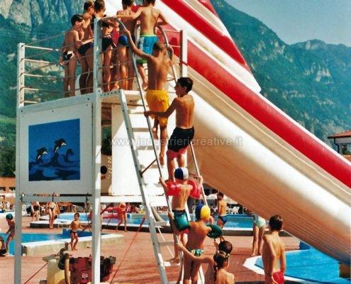 Produzione e vendita di Scivolo gonfiabile per piscine