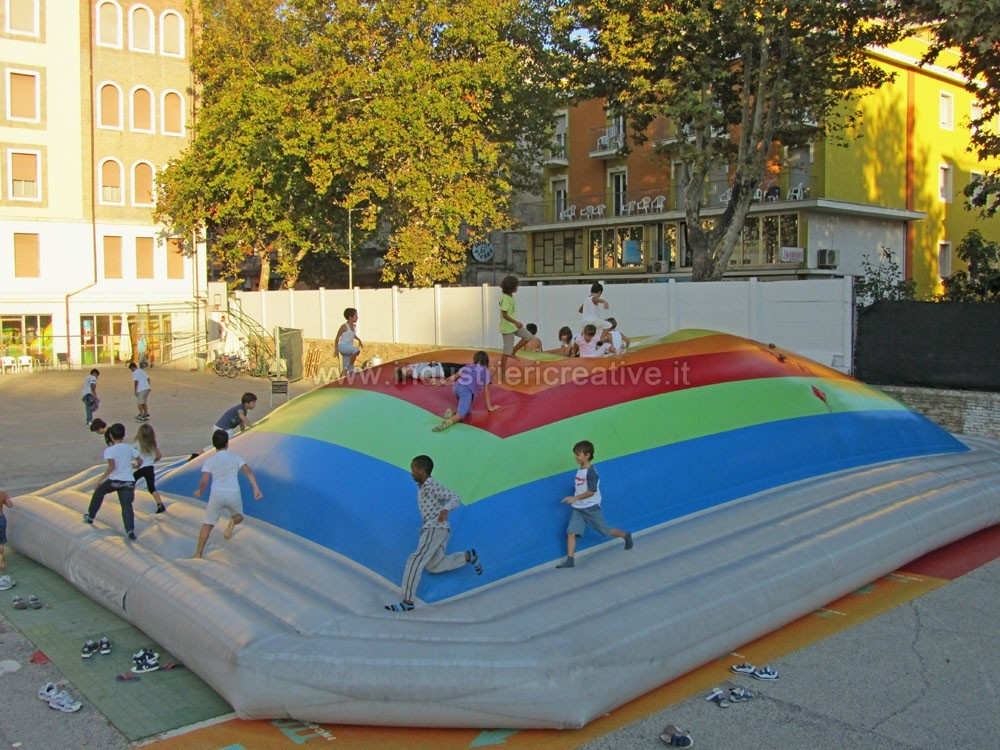 Inflatable games manufacturers - Inflatable castles for kids