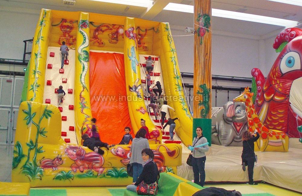 Scivolo gonfiabile Giungla - produzione e vendita di grandi scivoli gonfiabili per parchi giochi, lunapark, ludoteche, aree bambini