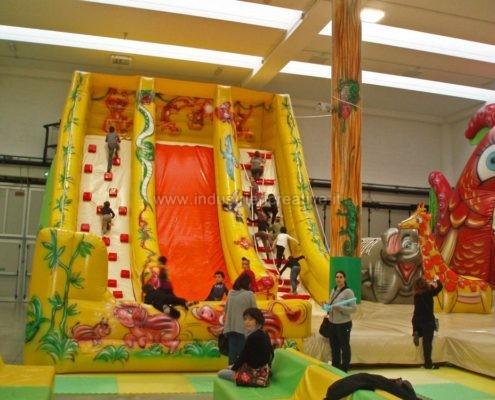 Scivolo gonfiabile Giungla - produzione e vendita di grandi scivoli gonfiabili - fabrication et vente de toboggan gonflable Jungle