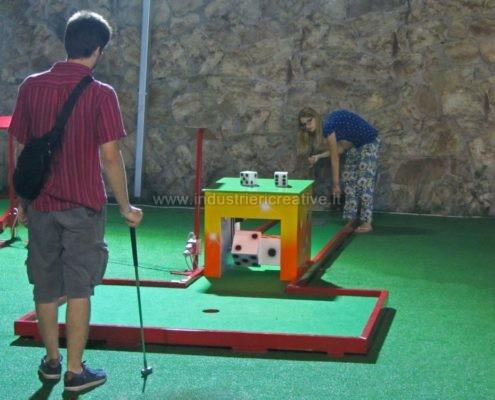 Miniature golf manufacturers - Vendita miniature golf con piste da minigolf con dadi rotanti - vente de parcours mini golf