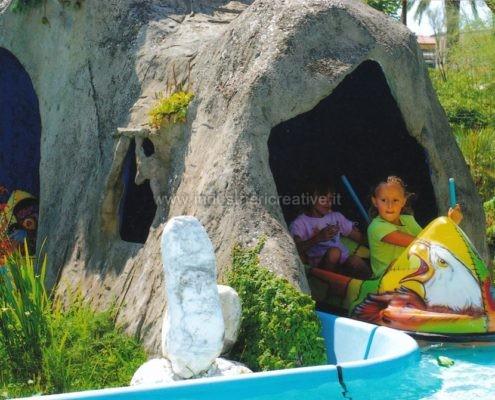 Produzione e vendita giostra con tronchi e canoe - fabrication de manèges pour parcs d'attractions