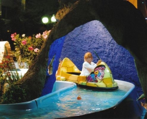 Giostra acquatica per parchi gioco - construction and supply of water attractions for amusement park and plauground