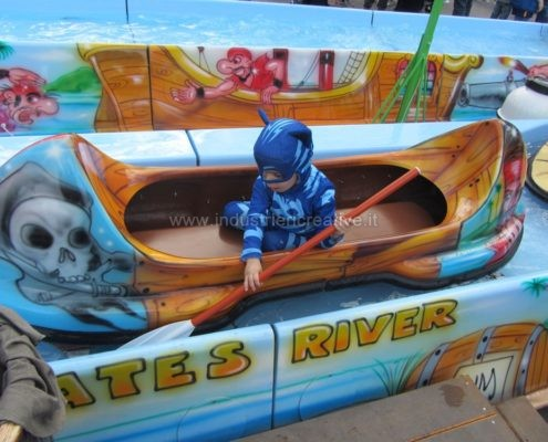 Vendita canoe per flume ride Pirates River - fabrication de equipement pour parcs d'attractions
