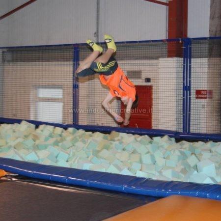Costruzione di trampoline elastici per Trampoline Park
