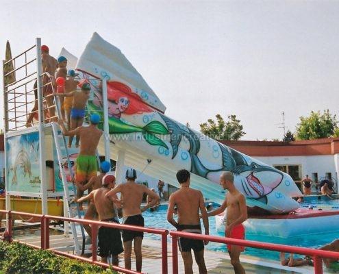 Scivolo gonfiabile per piscine con piattaforma in acciaio