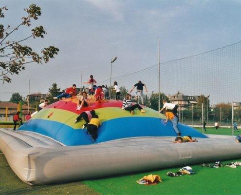 Produzione e vendita di giochi gonfiabili per area bambini - Manufacturing and supply of inflatable games for leisure parks - Fabrication et vente de jeux gonflables pour terraines de jeux