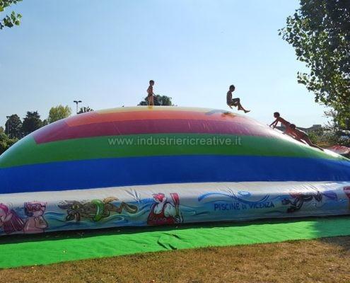 Produzione e vendita di giochi gonfiabili per acquapark - Manufacturing and supply of inflatable games for water parks - Fabrication et vente de jeux gonflables pour parcs aquatiques
