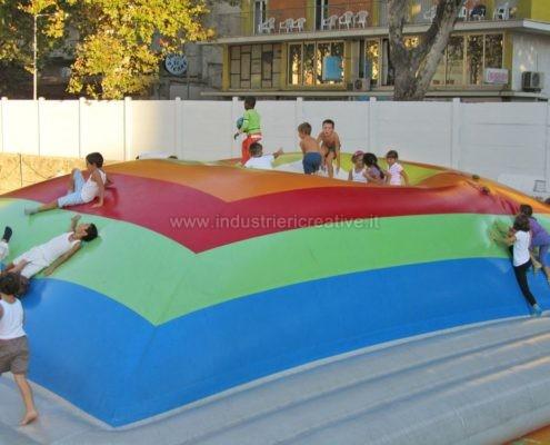 Produzione e vendita di giochi gonfiabili per bambini - Manufacturing and supply of inflatable games for kids - Fabrication et vente de jeux gonflables pour enfants