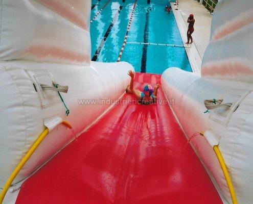 Produzione e vendita di scivoli per piscine