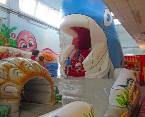 Balena gonfiabile grande