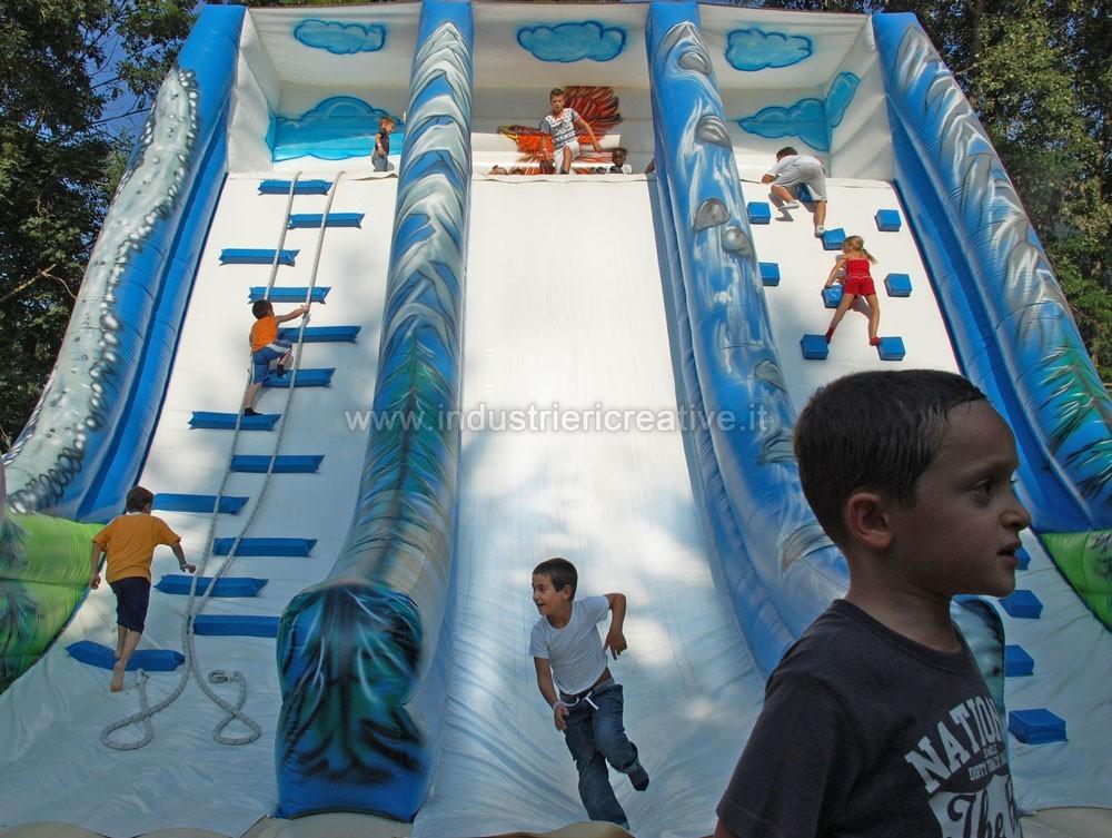 Fabricant de jeux gonflables: toboggan gonflable Montagne, grandes structures gonflables pour parcs de loisirs, aires de jeux, campings, piscines, hotels