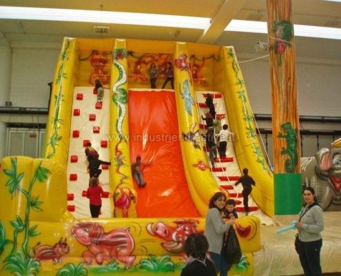 Scivolo gonfiabile Giungla - produzione e vendita di grandi scivoli gonfiabili - vente de toboggan gonflable pour enfants