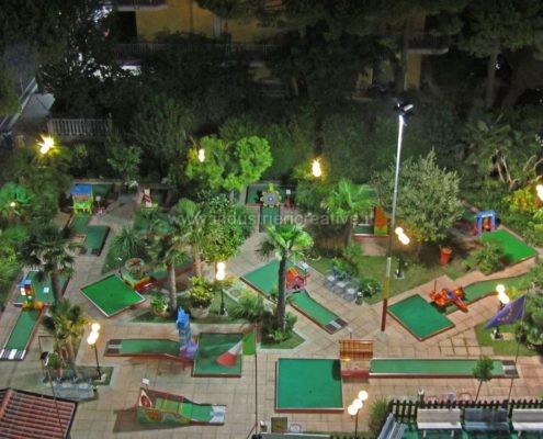 Produzione e vendita campo minigolf animato