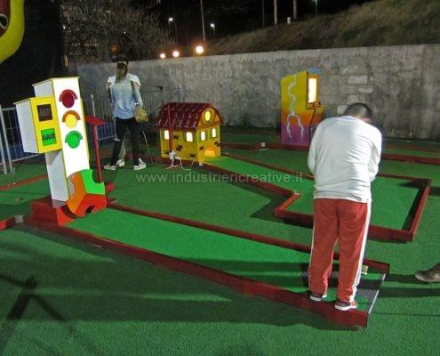 Miniature golf manufacturers - Produzione e vendita piste da minigolf con semaforo e stalla - vente de parcours mini golf