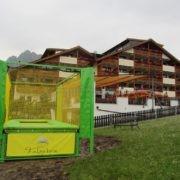 Trampoline pour jardin vert