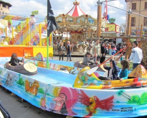 Water attraction supply - Attrazione acquatica Pirates River - produzione e vendita - fabrication de equipement pour parcs d'attractions